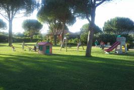 Speelveldje in de tuin