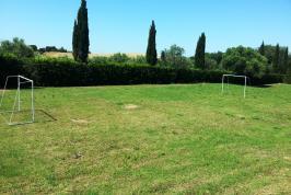 Nizza Fußballfeld mit Toren für die Kinder
