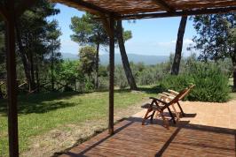 Groot terras met tuin appartement Leccino