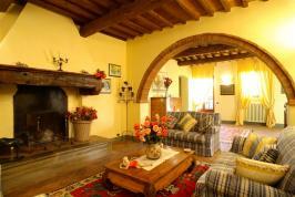 Woonkamer in typisch Toscaanse stijl