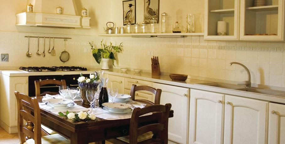 Type prijs de keuken bij dit vakantiehuis in toscane. i casali dei fiori