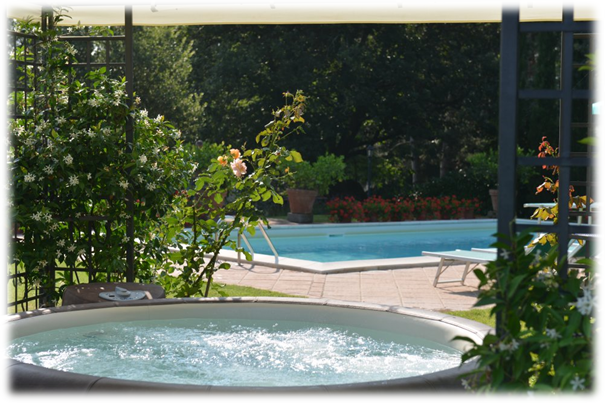 jacuzzi voor wellness in Toscane